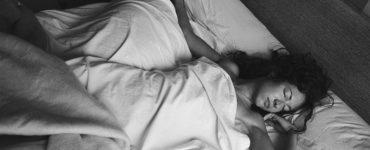 Non riesci a dormire bene durante le caldi notti estive?