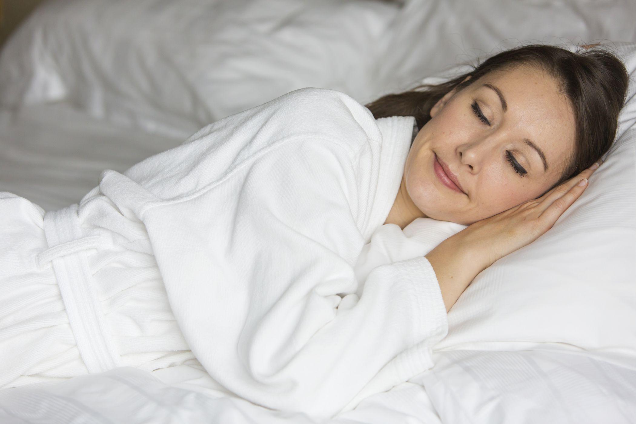 Ridurre il mal di schiena dormendo
