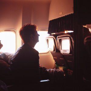 Dormire bene su un volo lungo? Ecco come